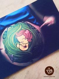 Ilustracion bebé body paint by Veronik Ilustra