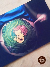 Ilustracion bebé body paint by Veronik Ilustra